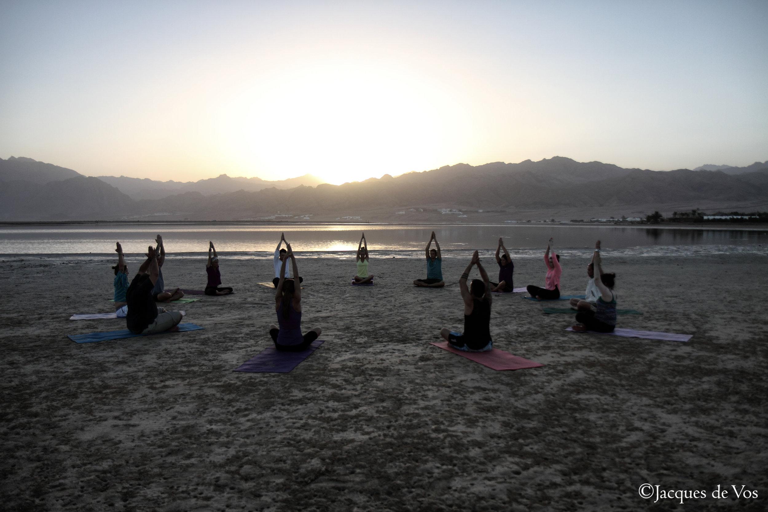 Dahab_Coachhouse_yoga_beach_Egypt_sea_2.jpg