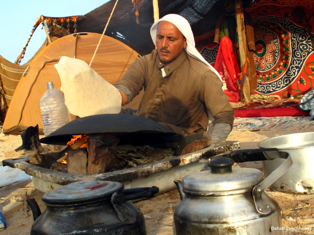 3_Dahab_Coachhouse_Sinai_Egypt_Dahab_Ras_Mohammed_Camping_Bedouin_Bread.JPG