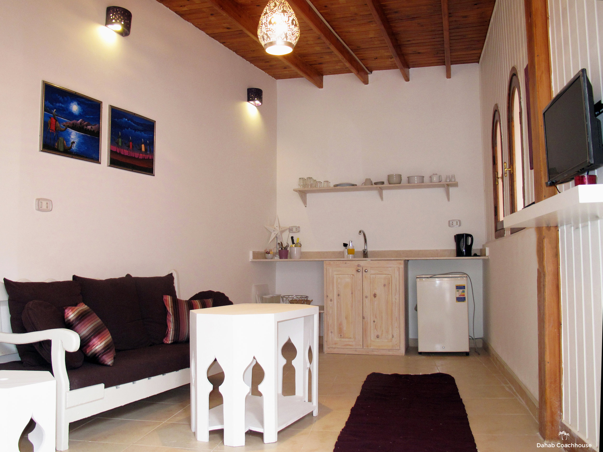Dahab_Coachhouse_courtyard_hotel_guesthouse_beach_diving_sea_garden_house_reception.JPG