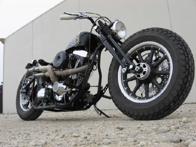 HARLEY EVOLUTION BOBBER - TODD APPLE