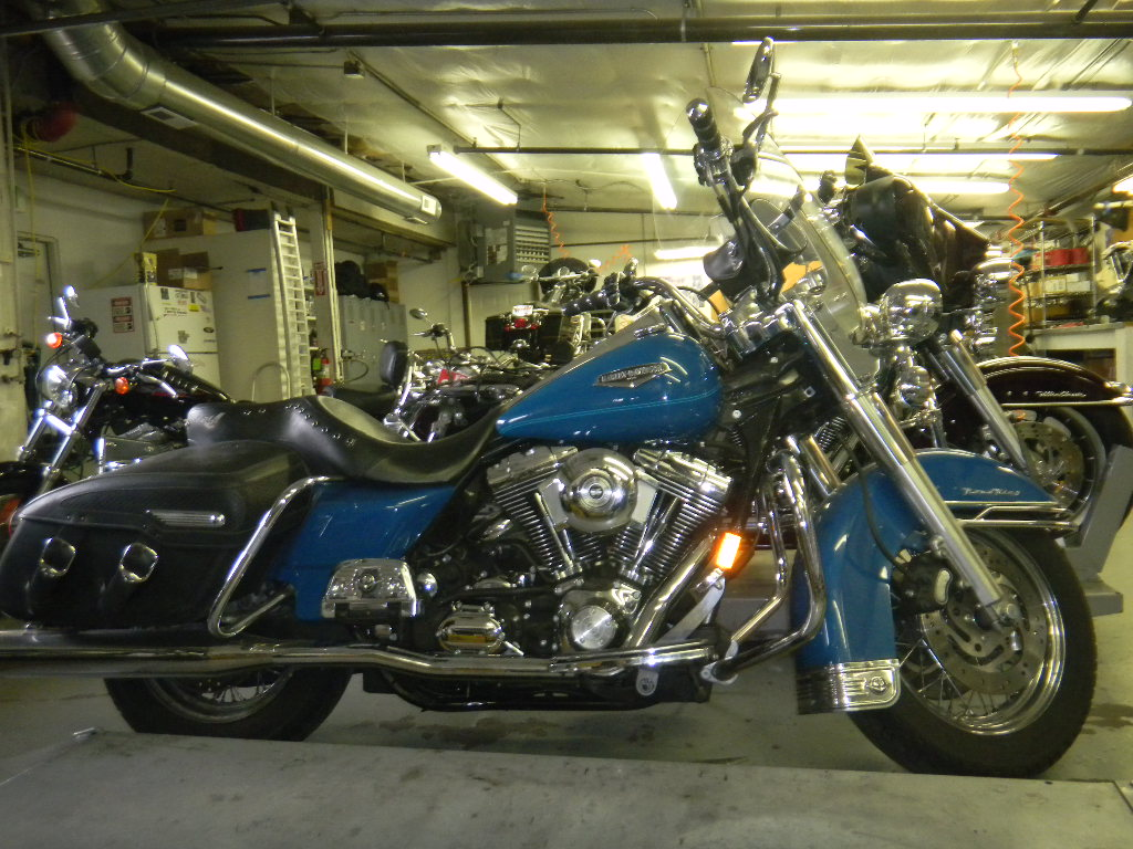 CLYDE'S 2002 HARLEY ROAD KING