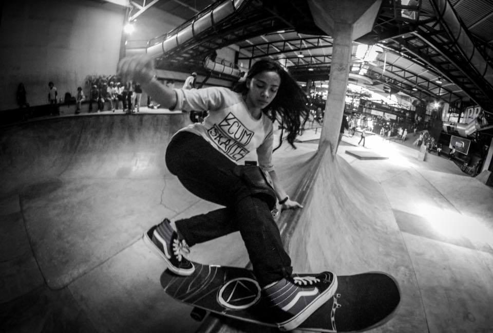 Sara Solis ( @femind ) | Fotografía skate
