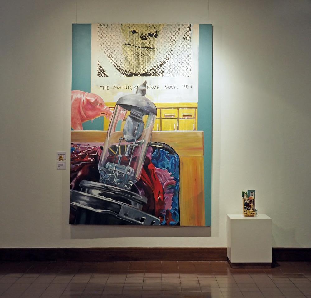 """""""The American Home"""", acrílico sobre canvas y ensamble, luciano goizueta, obra ganadora de la categoría tridimensional del salón nacional 2017"""