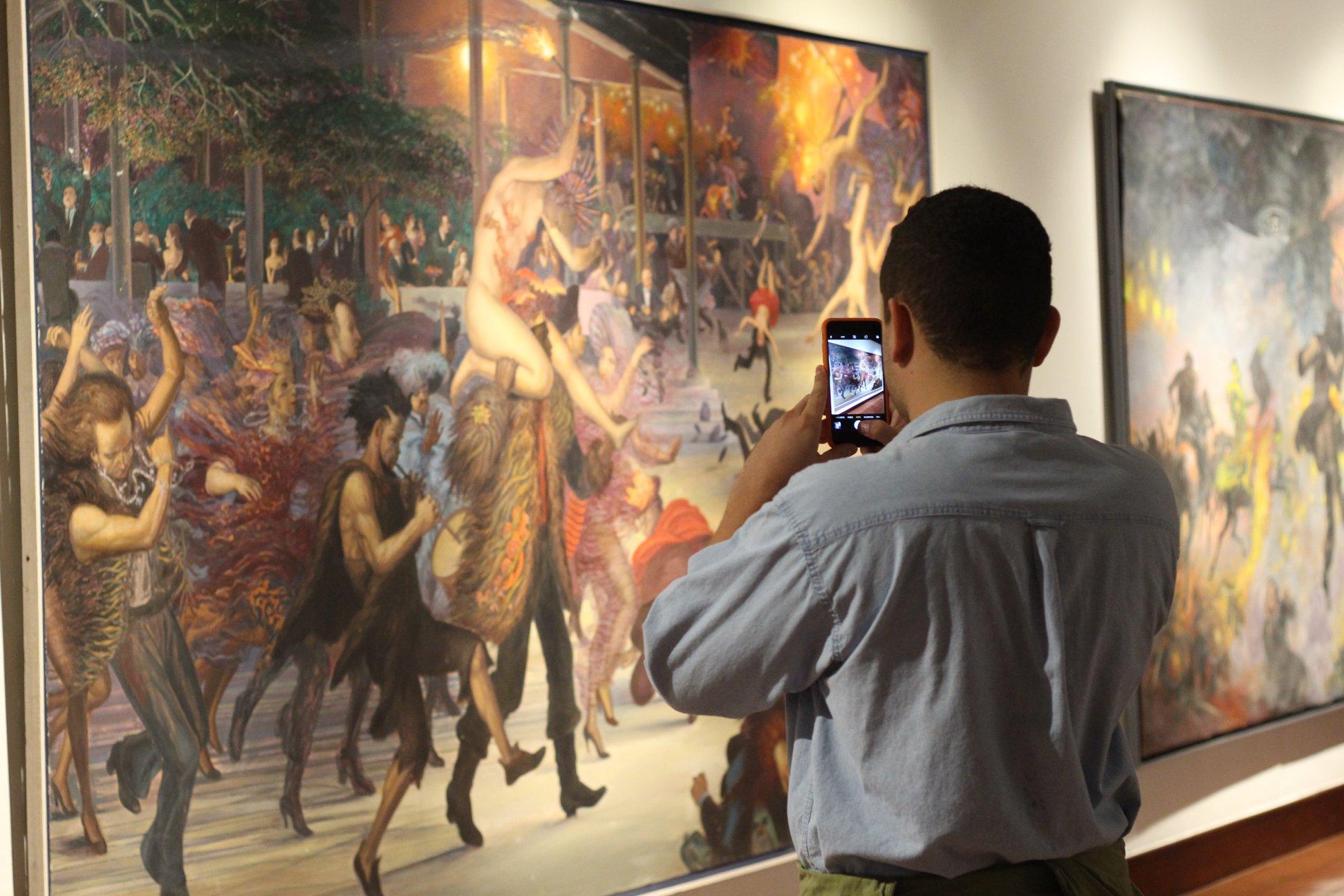 exposición de julio escámez en el MAC, 2018-2019 |    imagen tomada de la página de facebook del MAC
