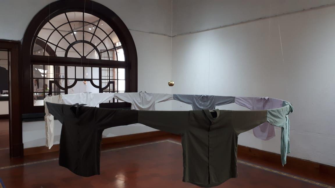 """""""Estructura"""", instalación textil, ingrid cordero   imagen cortesía de la artista"""
