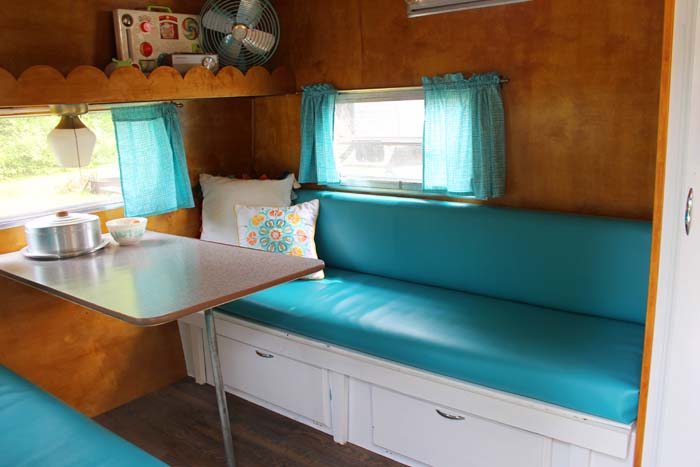 1972 Shasta Compact Interior