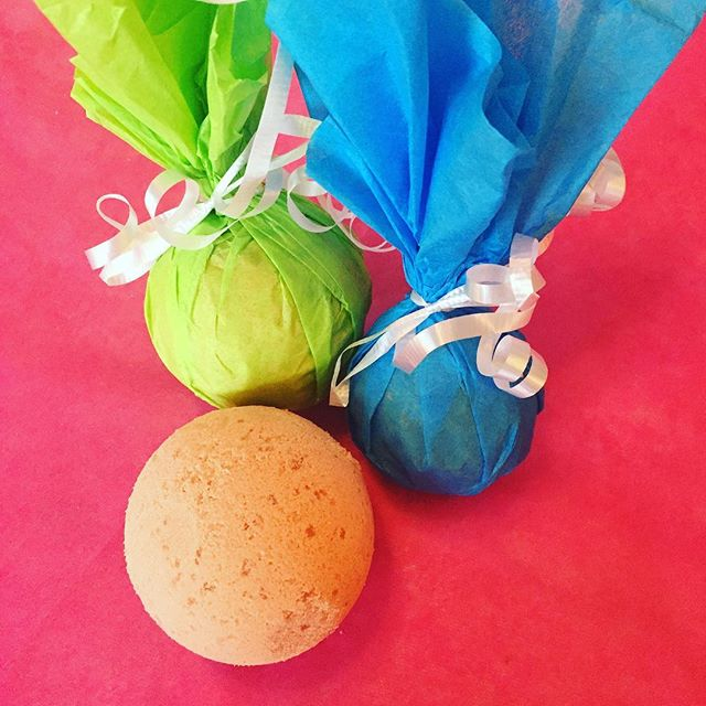 Creating new products-ginger and French clay bath bombs. This is just a test batch, but hope to have them for sale in a variety of natural dye-free scents! #vegan #bathbombs #naturalbathandbody
