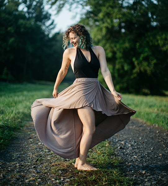 Dancing, Patience, Poses, Podcasts - This week, Sadie and I talk about making art, dancing, and moving forward by being still.