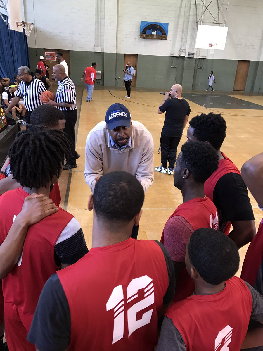 Peace Games Red Team Coach and Texas Legend Vin Baker calls his first time out