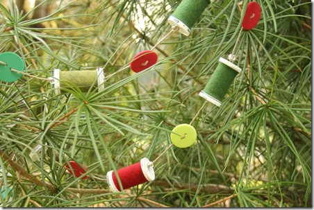 Thread Spool and Button Garland 1.5