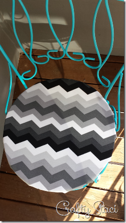 Easy Round Cushion Covers - Crafty Staci 1