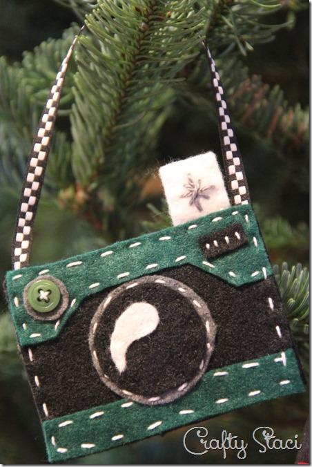 Felt Camera Ornament in Green - Crafty Staci