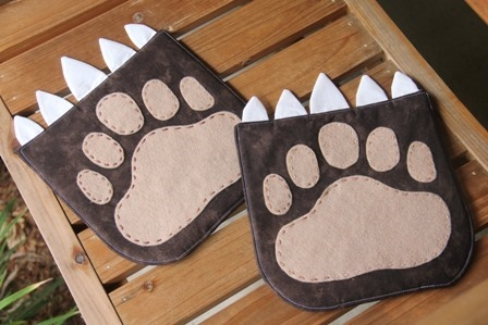 Hot Pad of the Month - Bear Paw by Crafty Staci