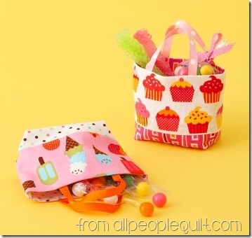 small-treat-totes-from-all-people-quilt.jpg