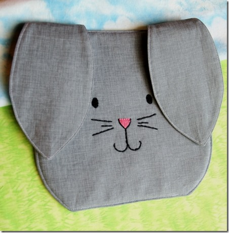 来自Crafty Staci的Bunny Hot Pad
