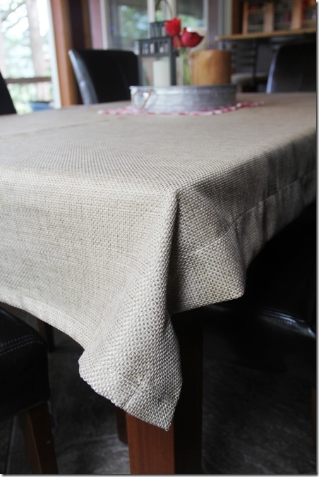 tablecloth-from-pieced-fabric-scraps-on-crafty-staci_thumb.jpg