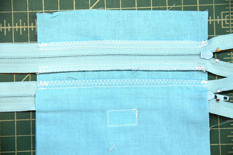 Zigzag zipper seams