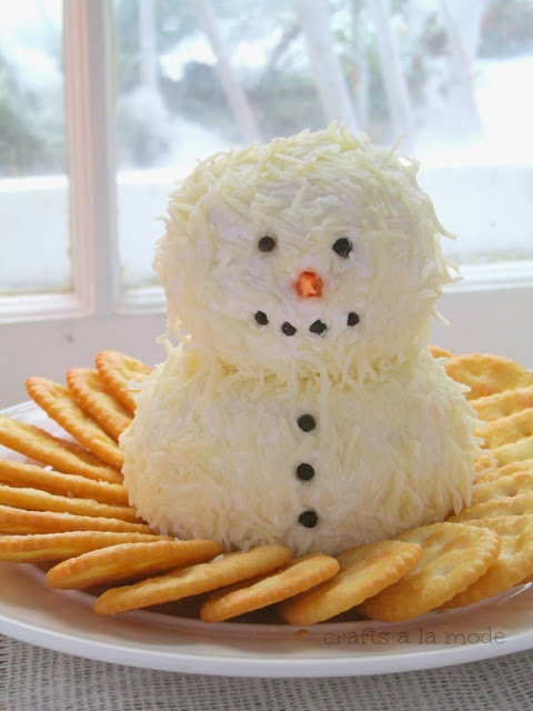 Snowman Cheeseball from Crafts a la Mode