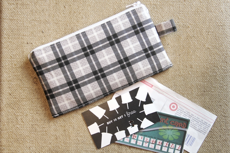Coupon and Loyalty Card Pouch from Crafty Staci #bagpattern #sewingtutorial