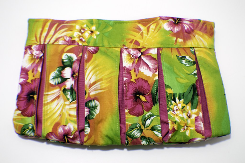 Pleated Clutch Handbag from Sew Very Crafty