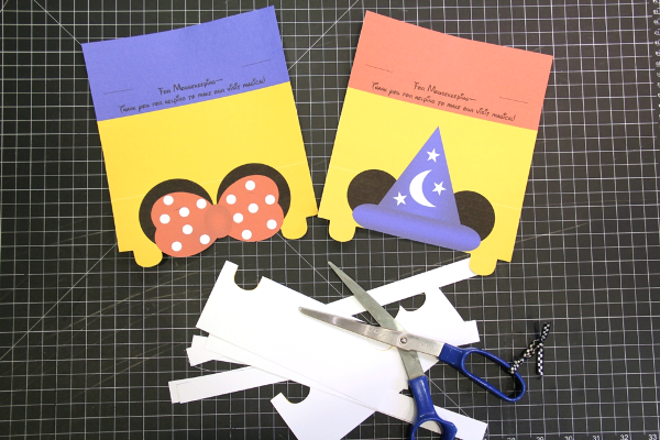 Mickey and Minnie tip envelopes - cut out