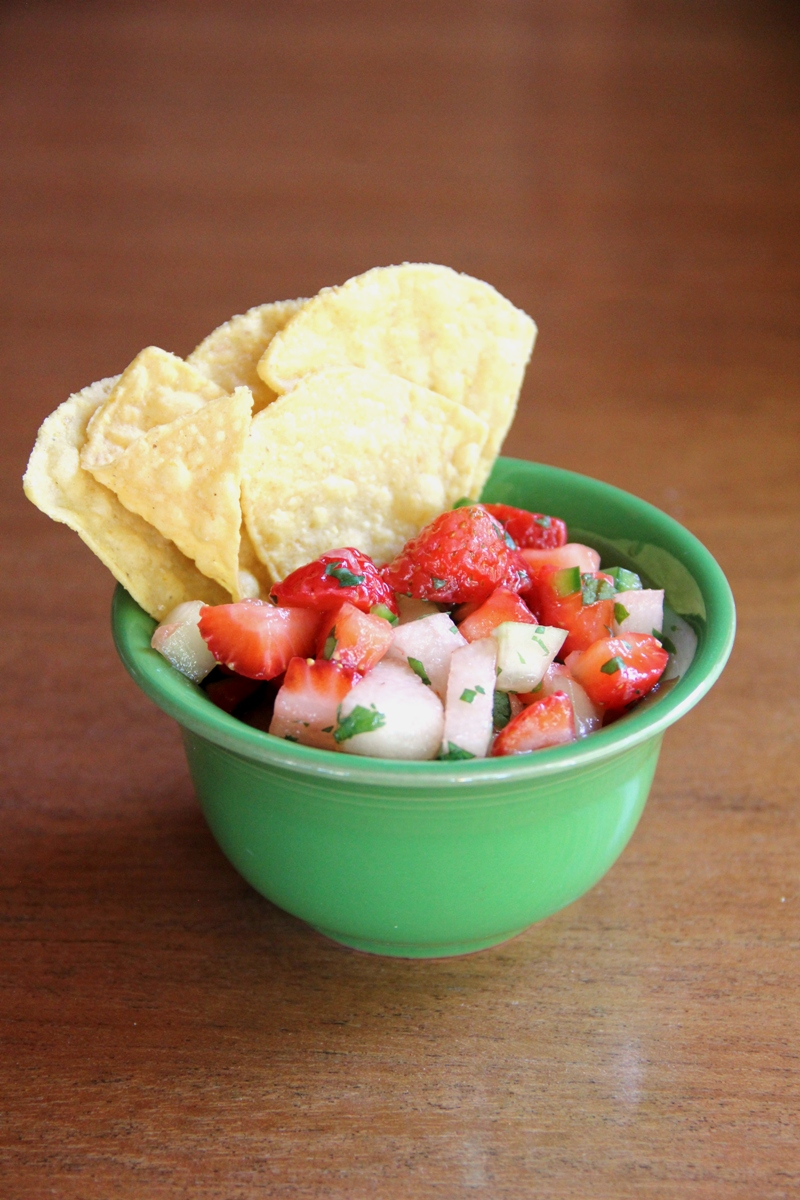 Autumn Strawberry Salsa from Crafty Staci #strawberries #oregonberries #putaberryonit @oregonberries