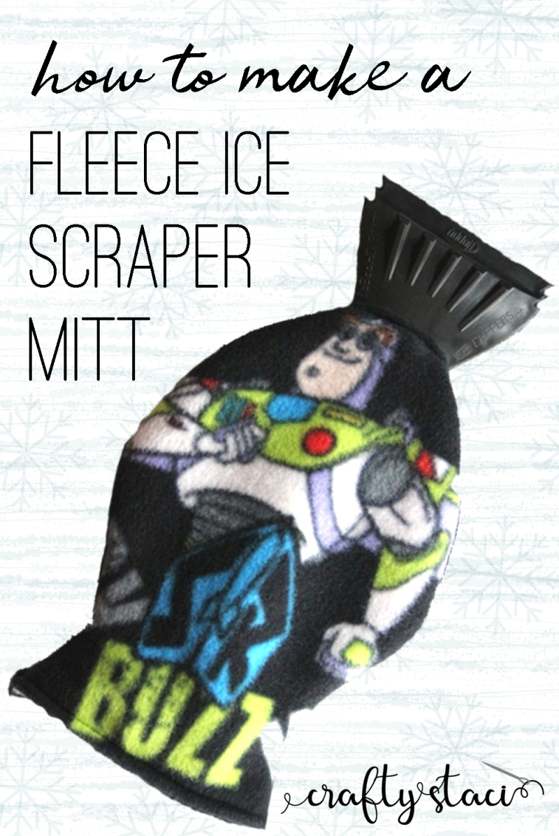 How to make a fleece ice scraper mitt from craftystaci.com #giftstomake #diygifts #giftsforhim #easytosew