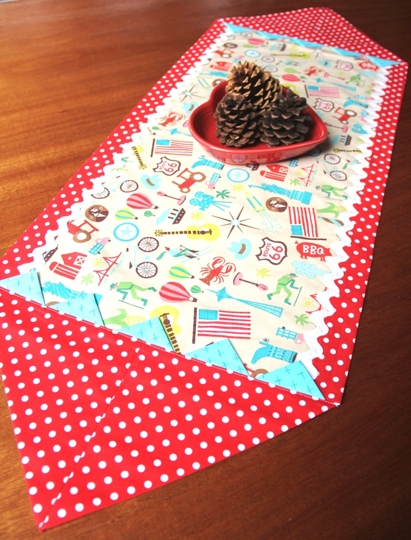 Quick Table Runner on Crafty Staci