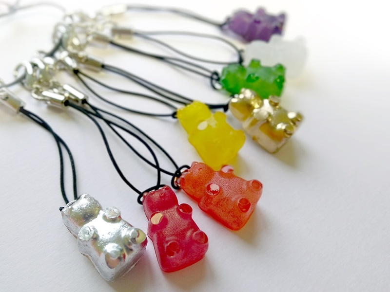 Hot Glue Gummy Bears from The Studio