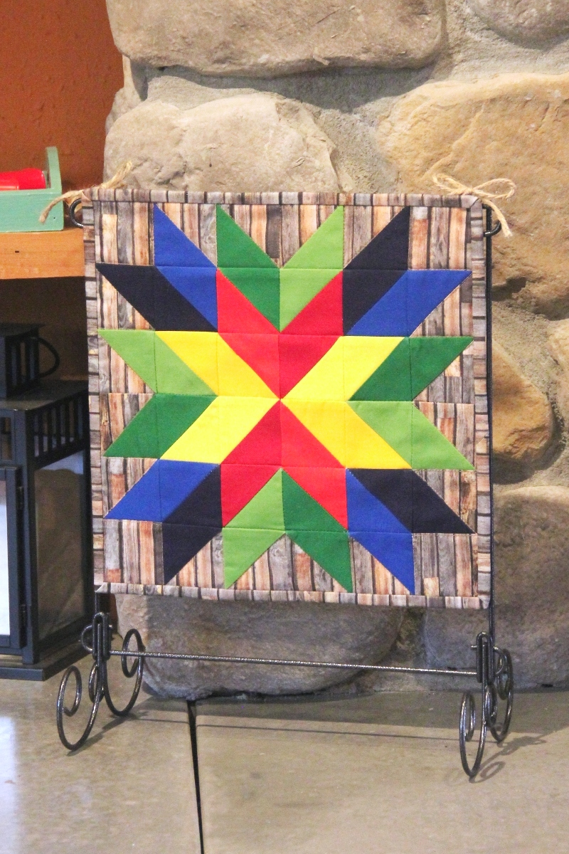 Mini Barn Star Quilt from craftystaci.com