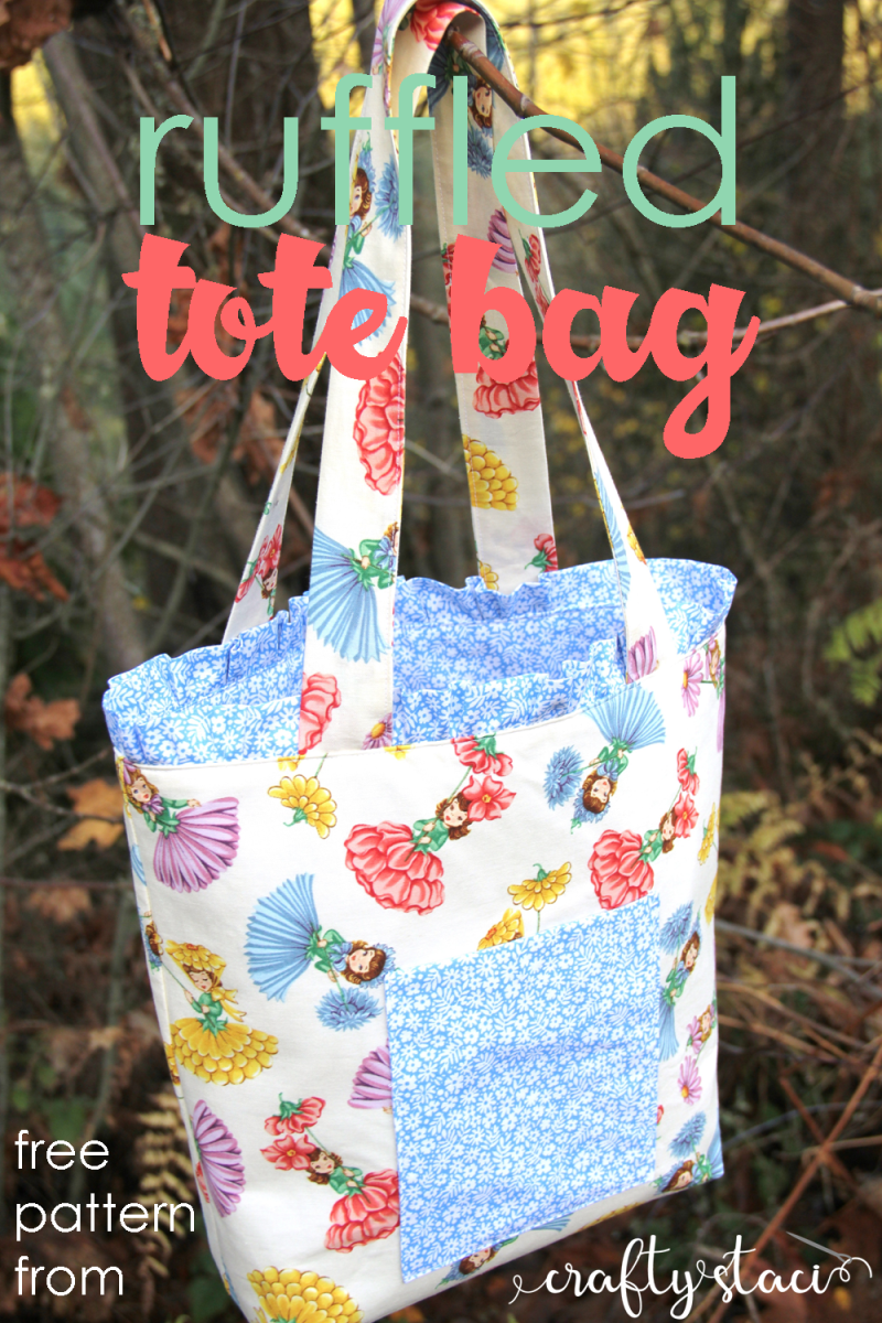 Ruffled tote bag - reversible with extra pockets - from craftystaci.com #totebagpattern #howtosewabag #reversiblebag