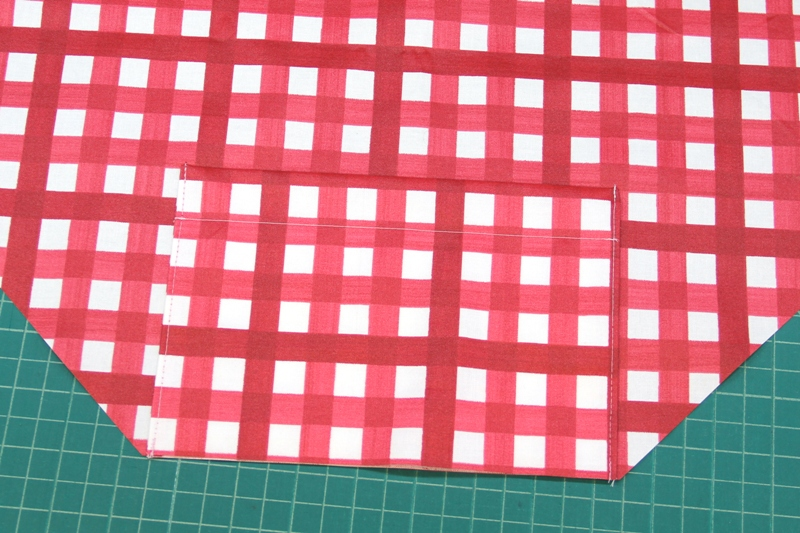 Pocket stitched to shopping bag on Crafty Staci