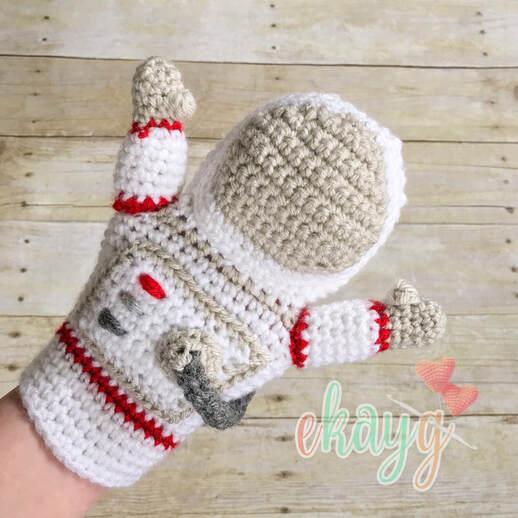Astronaut Hand Puppet from ekayg