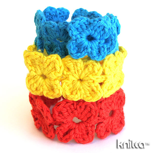 Crochet Clover Bracelet from Knit CA