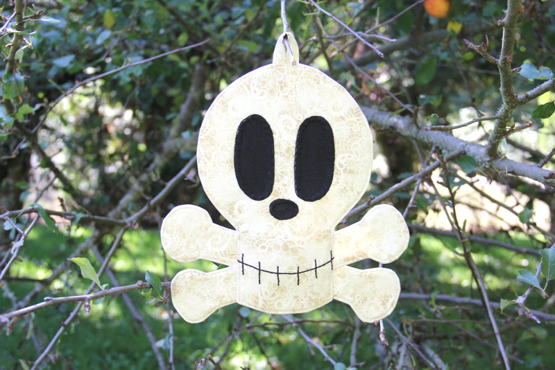 skull and crossbones fabric wall hanging from Crafty Staci