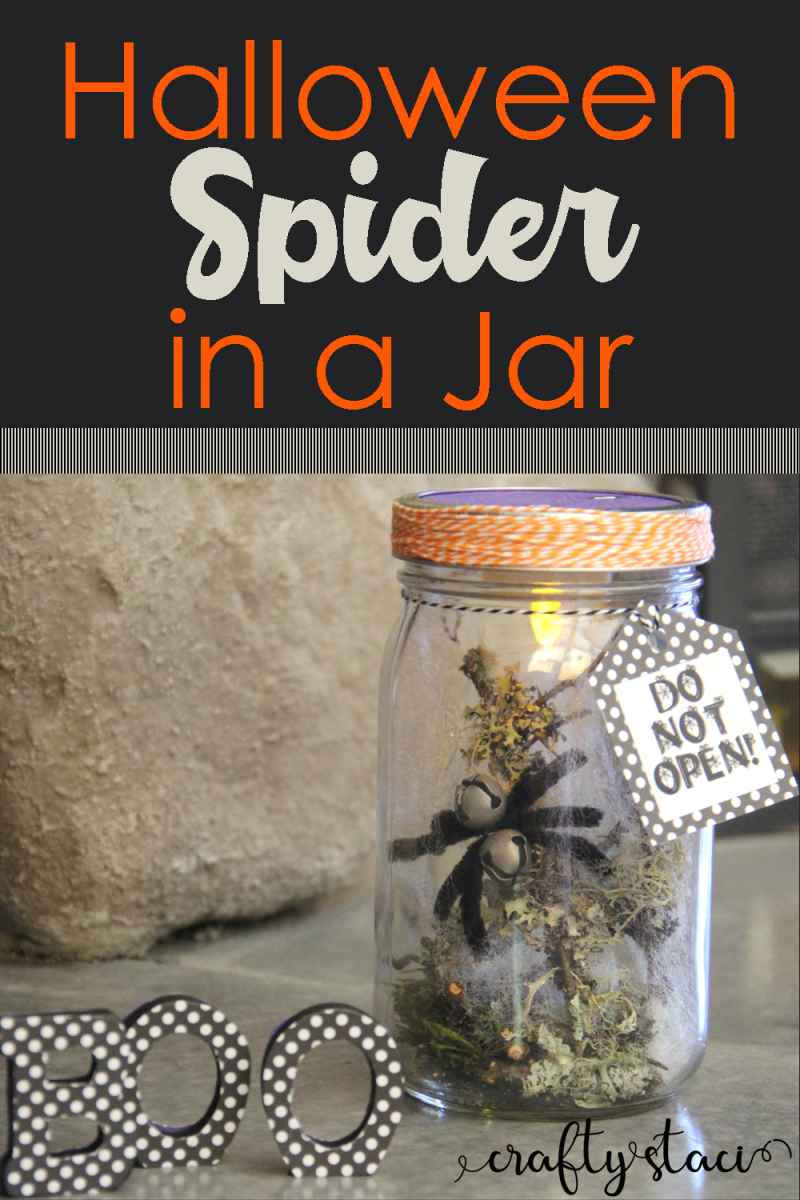 Halloween Spider in a Jar from Crafty Staci #halloweendecor #diyhalloween #spidercrafts