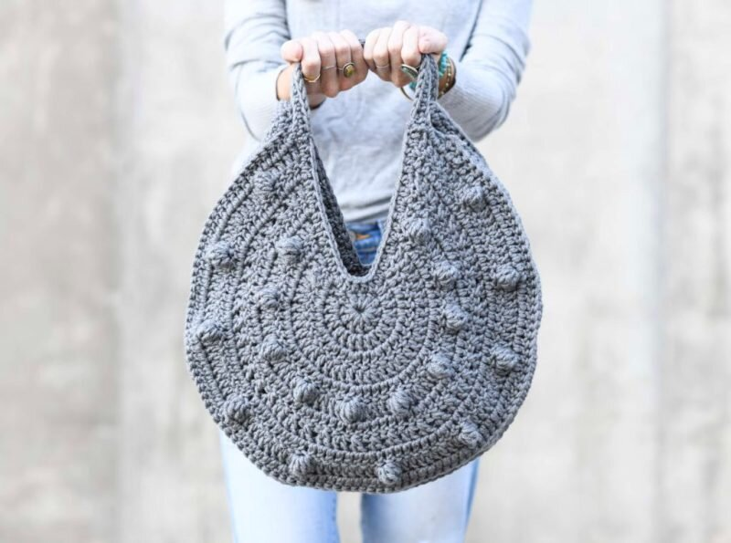 Bobbles Circle Tote Crochet Pattern from Mama in a Stitch