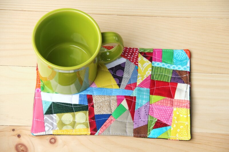 Crumb Quilt Mug Mat on craftystaci.com