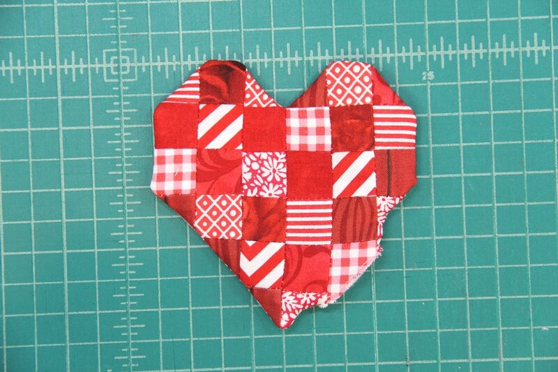 """12  PIECES  puffed red heart one sided applique 1/"""" wide US SHIPPER"""