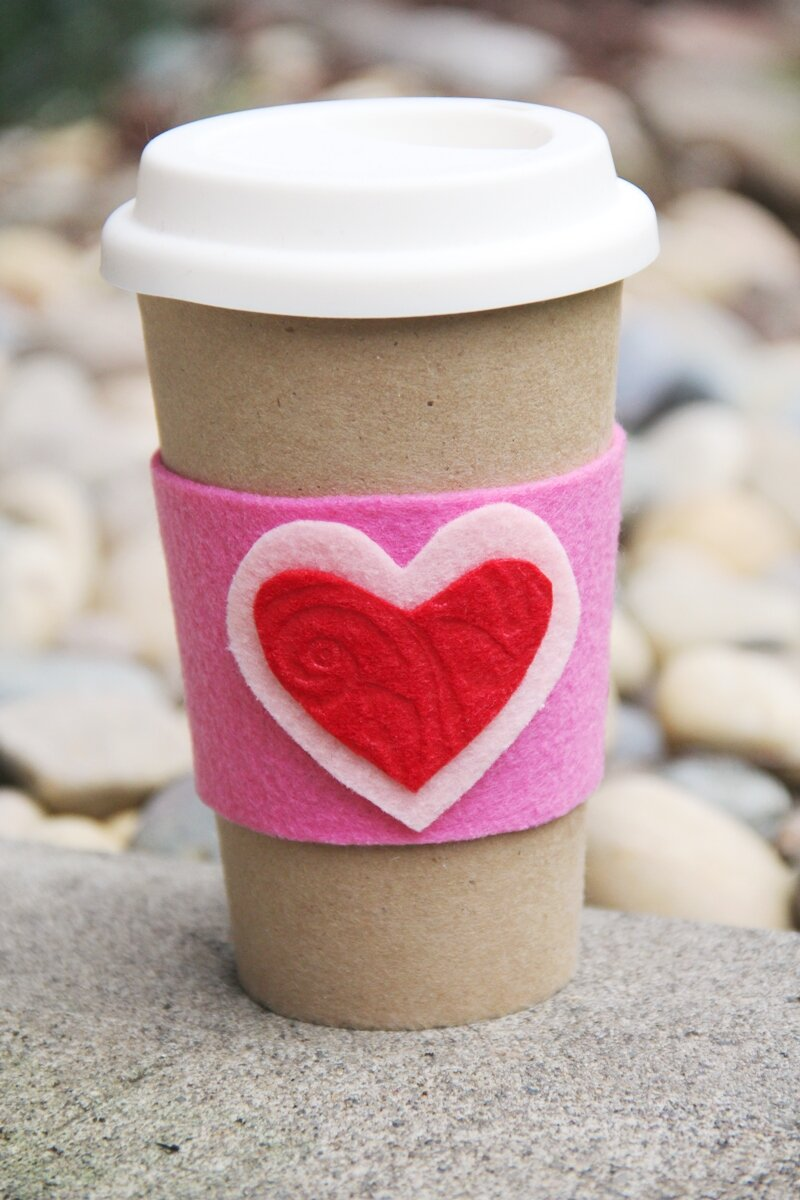 来自Crafty Staci的Heart Coffee Cozy