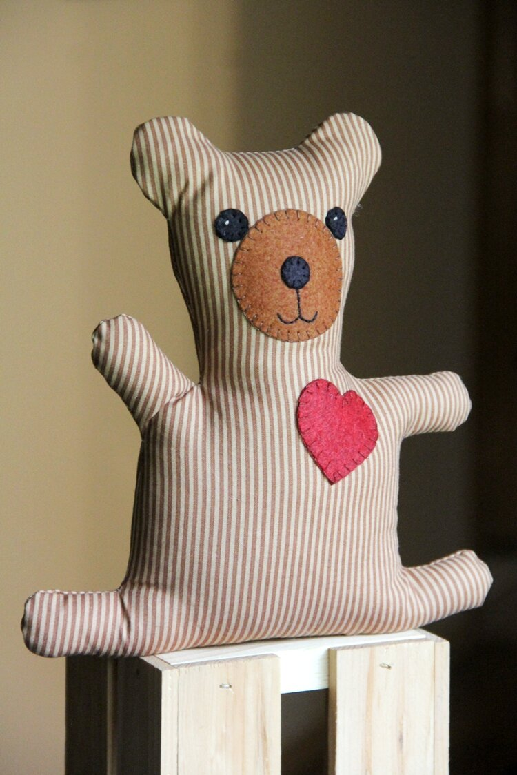 Free sewing pattern: Neighborhood Bear softie