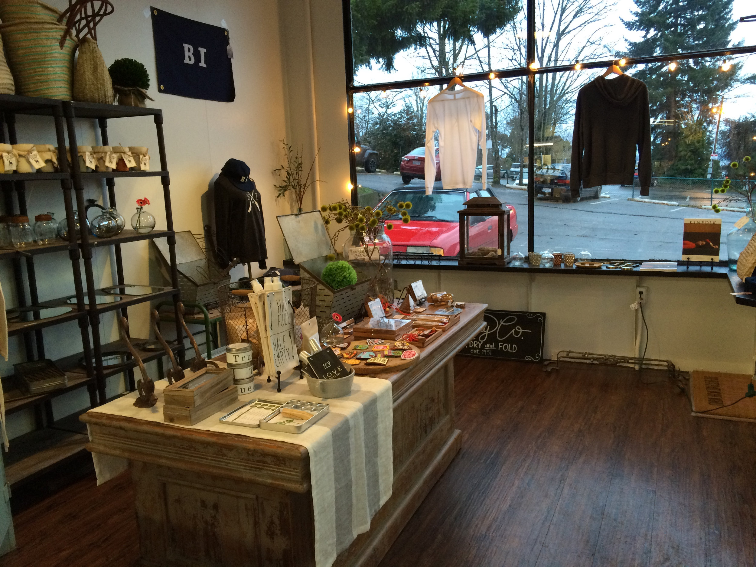The shop is beautifully currated and you will feel very welcome.