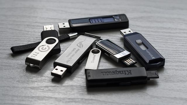 memory-stick-1267620_640.jpg