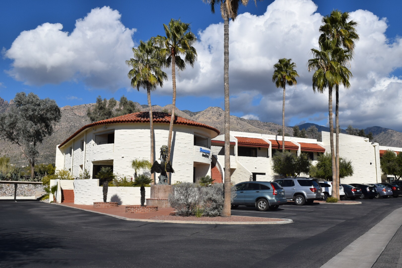 Tucson psychiatry practice exterior building and parking lot