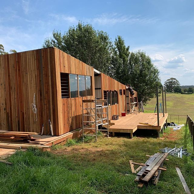 Countdown to handover 3 days to go #quickturnaround #prefabhouse #tinyhouse #modularhome #taktstudioforarchitecture #good_with_wood @good_with_wood @studiotakt