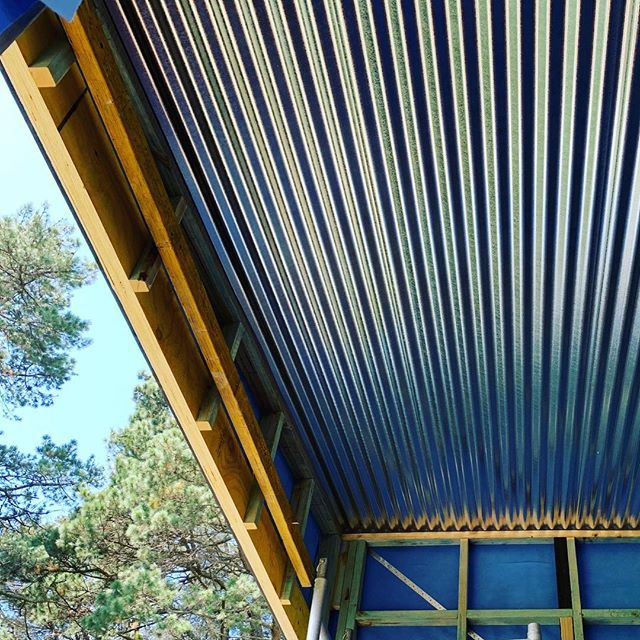 Roof On In The Bush #modularhome #prefabhouse #wollongongbuilder #wollongongarchitect