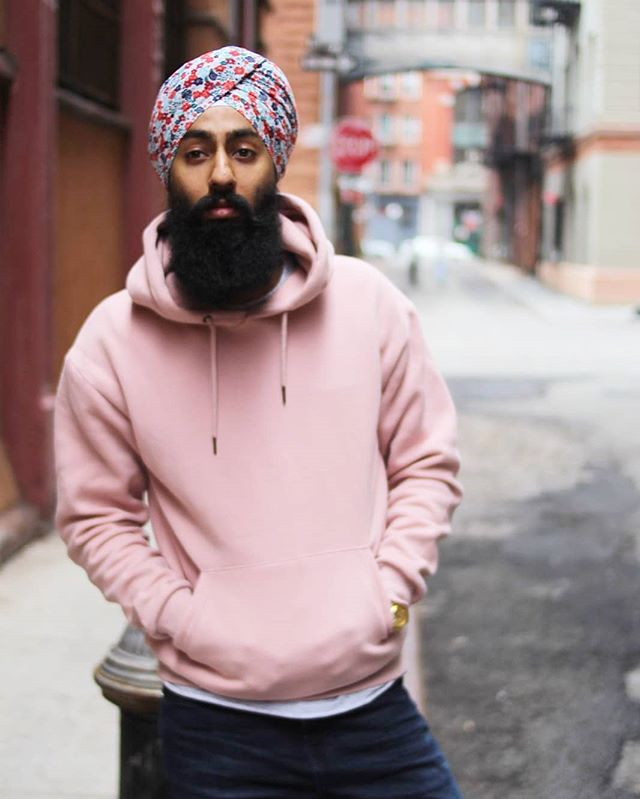 Another week in the books! Who's ready to enjoy the weekend?! Photography - @b_money_shot  #styledbyharj #turbanandbeard #collab #newyork #pink #floral #zaraman #streetstyle #streetwear #cityvibes #itstheweekend