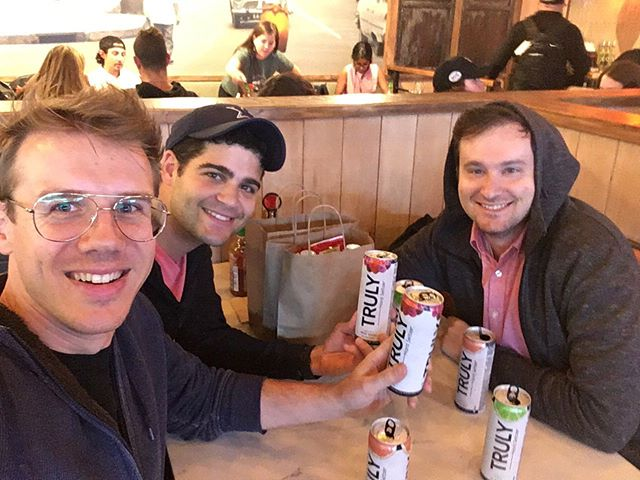 Wrapping up my first trip to Seattle with the the @maccabeats in top form: with 6 cans of Truly care of Priority Pass. #boardingin10