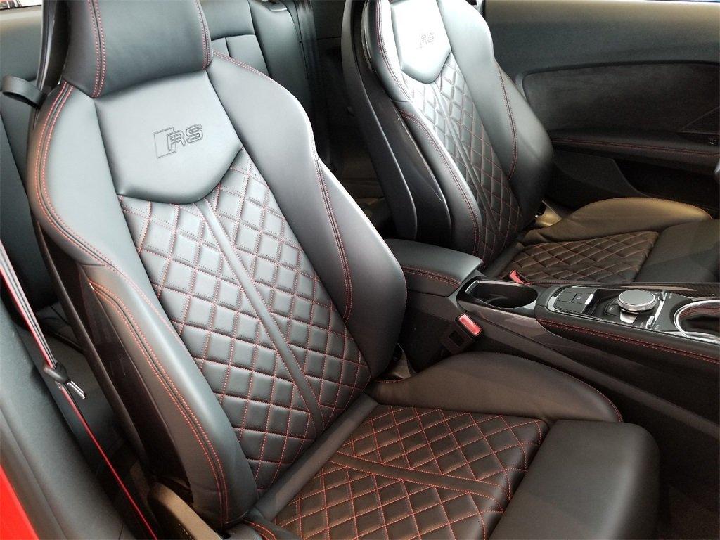 AUDI TTRS Seats