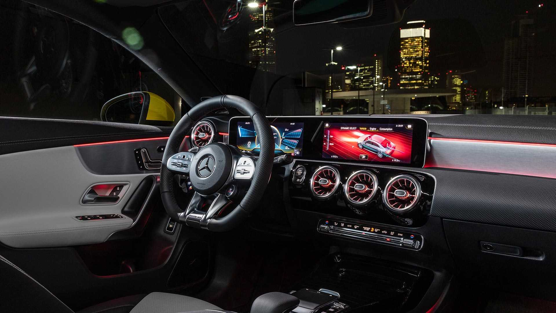 ©Mercedes-Benz CLA35 AMG Interior